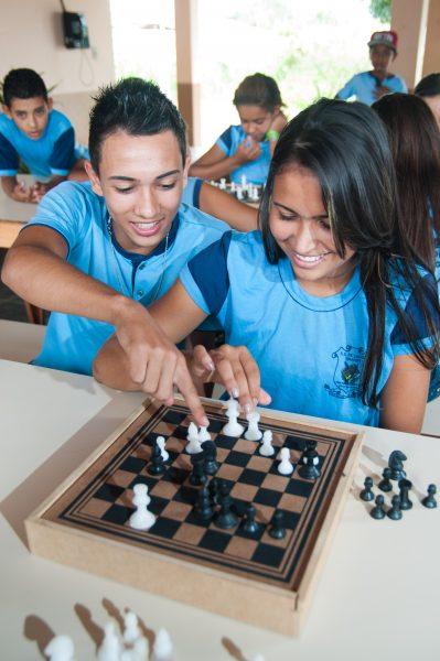 6852_ Relatório 2014 _ Bioenergia _ Educação _ Minas Presente na Escola